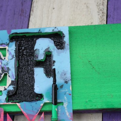 Cheap Halloween decorations – Fright sign from reclaimed wood